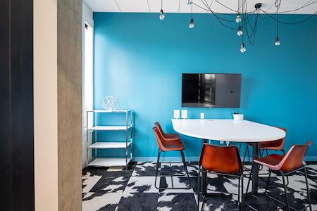 25N Coworking | Frisco - Huddle Room