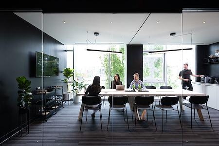 Pavilion Cowork - Mountain-Facing Window Boardroom