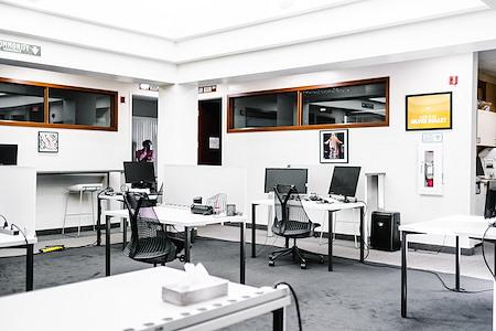 Work in Progress -Downtown - Drop-In Desk