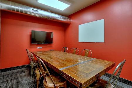 GRID COLLABORATIVE WORKSPACES - Medium Meeting Room 2