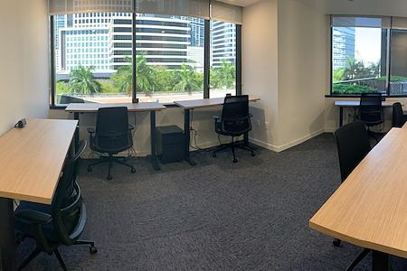 CoSuite® Brickell - 6 Person Private Executive Suite