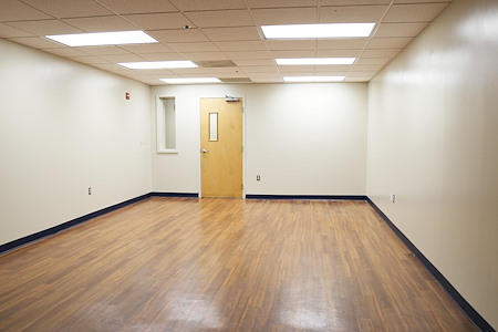 Perfect Office Solutions - Beltsville - PRIVATE DESK Space in Beltsville