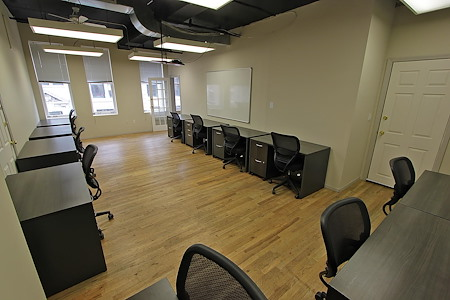 Select Office Suites - Chelsea - Team Room