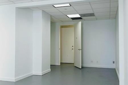 mindwarehouse - Suite 912  Open Space