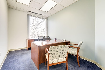 Carr Workplaces - King Street - Office #607