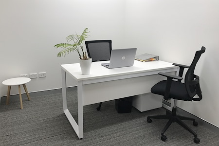 Nexus Smart Hub - Private Lockable Office