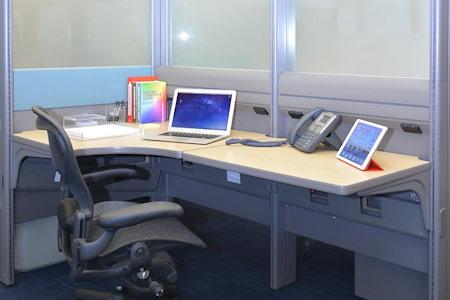 Momentum Business Center - Dedicated Desk