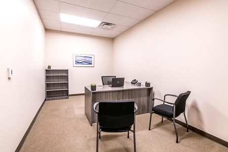 Ballpark Lane Executive Offices - Interior Office - 21