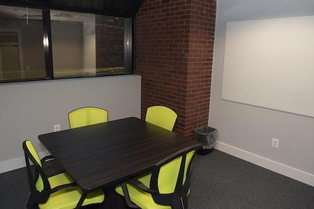 HeadRoom - Wayne - Office #2