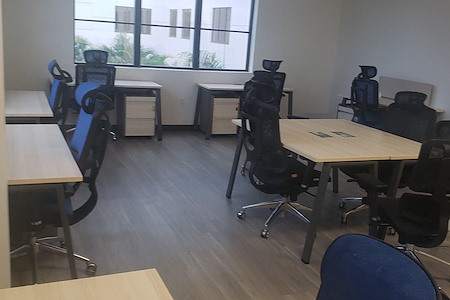 Thrive Coworking DTSP - HUGE, Beautiful Office, fits 10 comfortably.