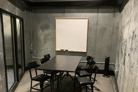 The Port @ Kaiser Mall (Uptown) - The Cooler - Private Meeting Room for 6