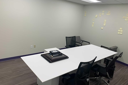 Co Working Space in Beautiful Downtown Ridgefield - Conference Room / Office