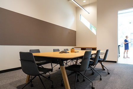 CENTRL Office - Downtown - M3 - Medium Meeting Room