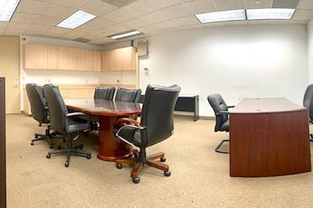 Alexa's Workspaces - Ft.Lauderdale - Team room