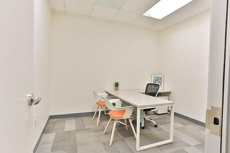 Office Evolution - Tysons Corner - Suite 112 Interior Office