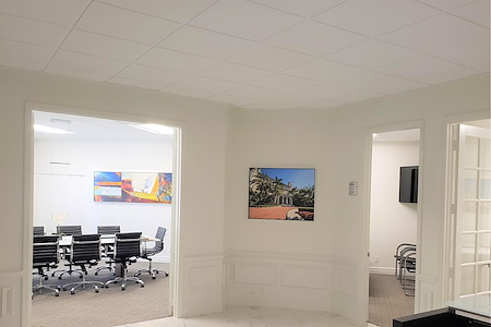 The Suites at 231 in Palm Beach, Florida - Private Suite #4 / 1 or 2 desks