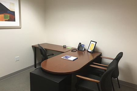 Carr Workplaces - City Center - 553: All-Inclusive Interior Office