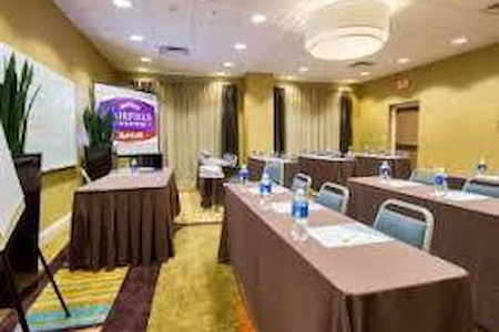 Fairfield Inn & Suites Orlando - Rollins Room