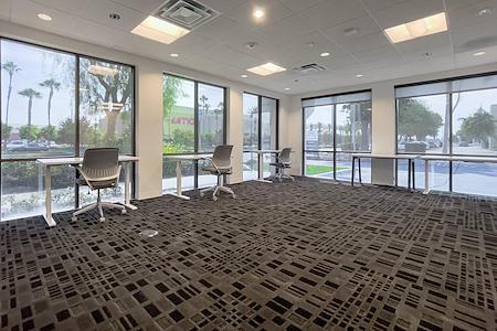 IBASE SPACES Irvine - Team Corner Private Office