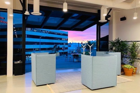 Regus | SPACES @ Hollywood - Monthly 10 day Open Desk Membership