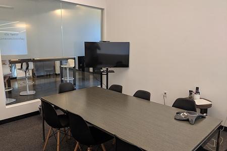 CENTRL Office - Eastside - M4 - Midsize Meeting Room