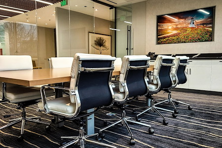 TKO Suites Tysons - Conference Room