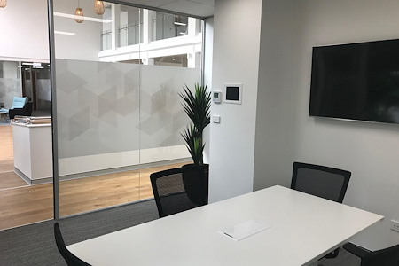 Nexus Smart Hub - Meeting Room