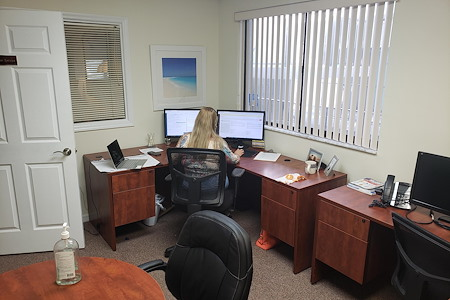 Veratics, Inc. / GoVets.com - 2 x Desks + Conference Table