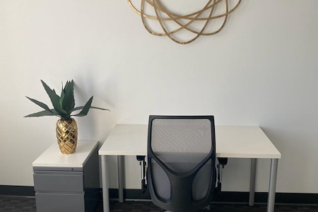 Regus | TOPA Financial Plaza - Suite 951 Shared/Campus space