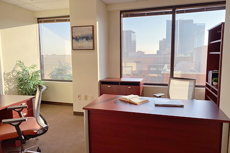 Pacific Workplaces - Capitol - Monthly Private Office 956