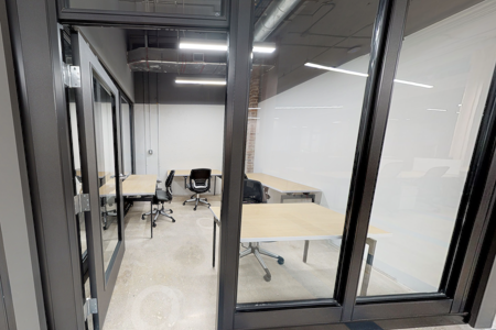 Minds Cowork - Private Suite #18 for 4 People