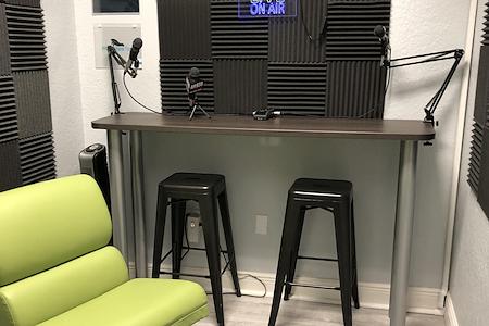 CoworkLWR - 4 Person Audio/Video Recording Studio