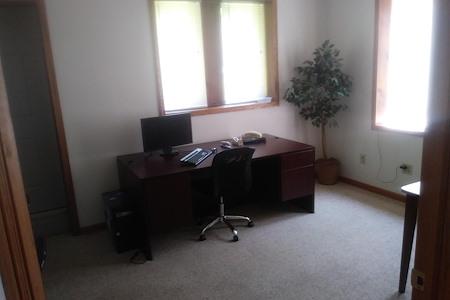 Desk Refuge - Office 1