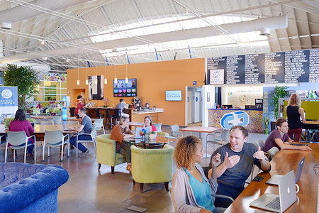 Cross Campus Santa Monica - Coworking & Hot Desk Membership