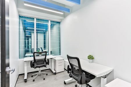iQ Offices | 150 King Street West - On Demand Private Office