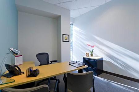 Regus | Iron Point - Office 1001