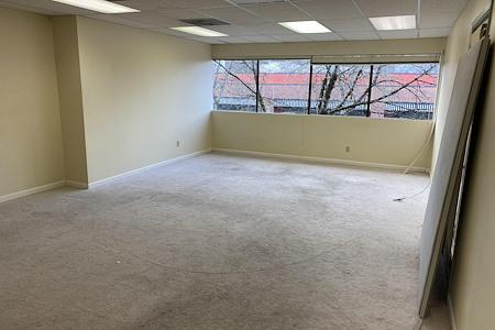 AuroraView Building - General Use or Storage Suite 3
