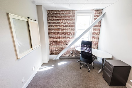 The Port @ 101 Broadway (Jack London Square) - Private office for 1-2
