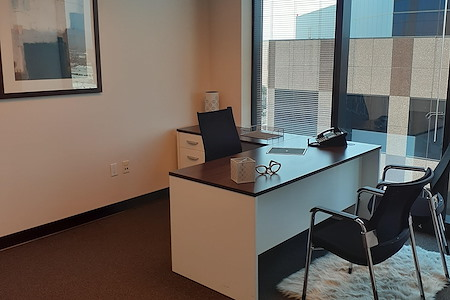 (WFB) Wells Fargo Tower - Window Office
