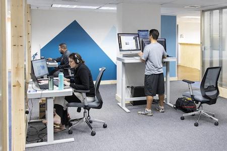 Hub Coworking Hawaii - Dedicated Desks