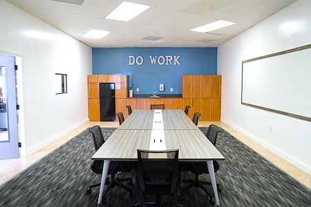 LionShare Cowork - Conference Room