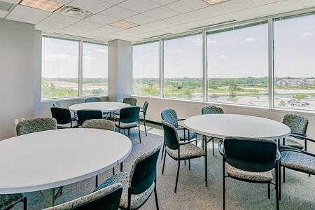 Cowork KCI - Large Window Suite