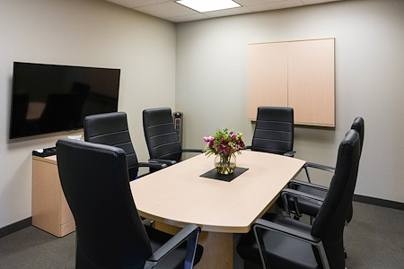 Intelligent Office First Canadian Place - King meeting room