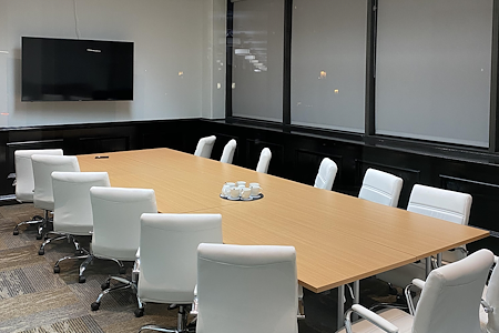 Wilshire 1001 Premium Flex Space & Coworking Solutions - Board Room
