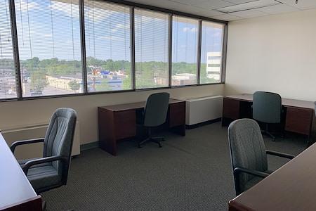 TKO Suites Rockville - Window Office for 5!