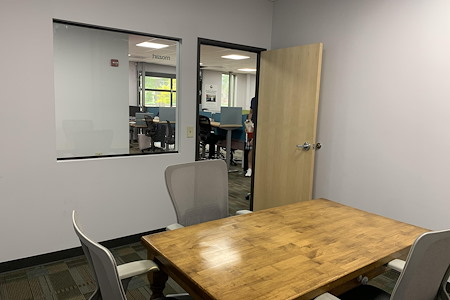 Black Lab Sports - Private Offices