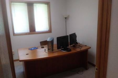 Desk Refuge - Office 2