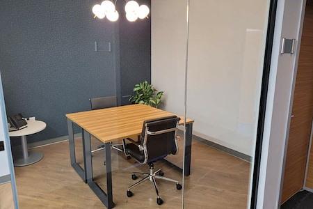 TKO Suites Tysons - Meeting Room