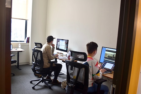 Launch Pad Newark - Window Office