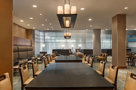 Hilton Baltimore BWI Airport Hotel - Community Conference Tables